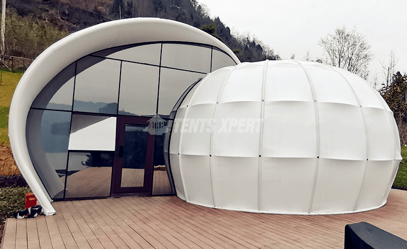 shell-shaped tent