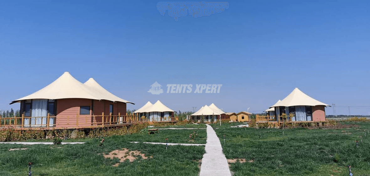 Glamping Tent Hotel in Zhangye
