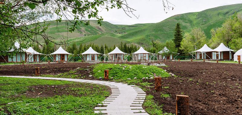 Drive Glamping Site in Nalatixinyi, Xinjiang